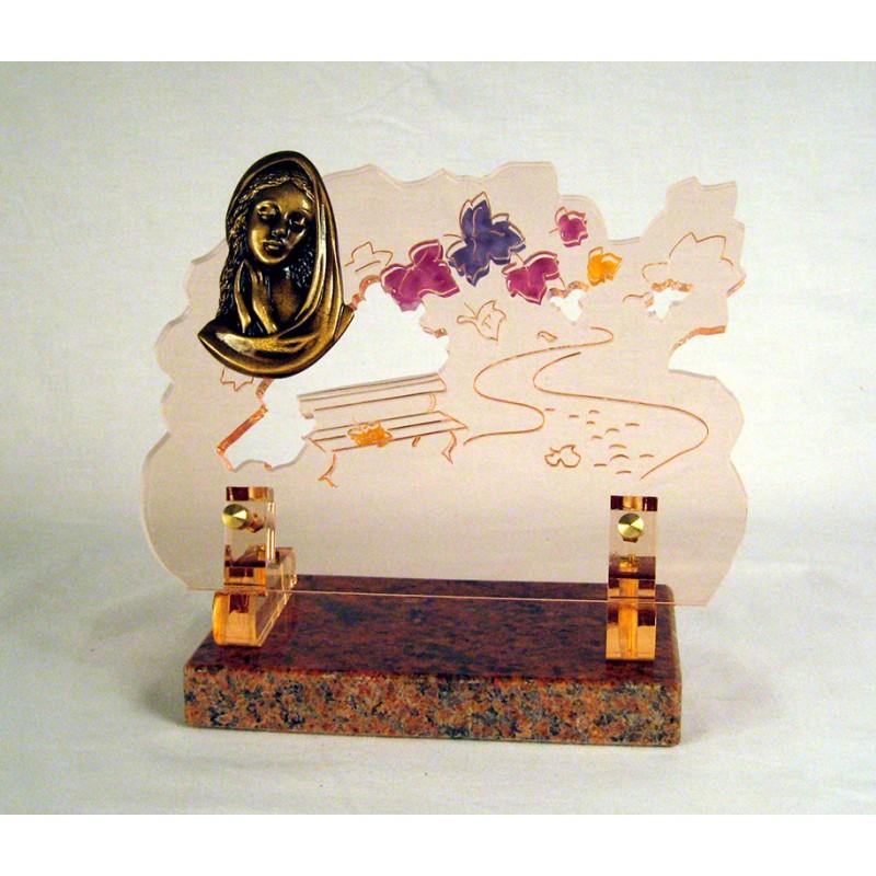 Plaque mortuaire avec la Vierge Marie